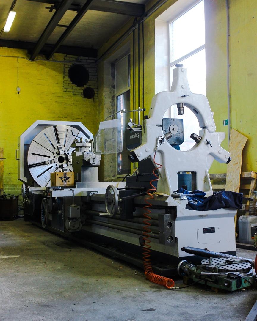Станок для фрезерной обработки металла
