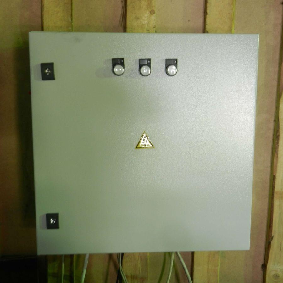 Шкаф управления системой ленточных конвейеров - вид снаружи